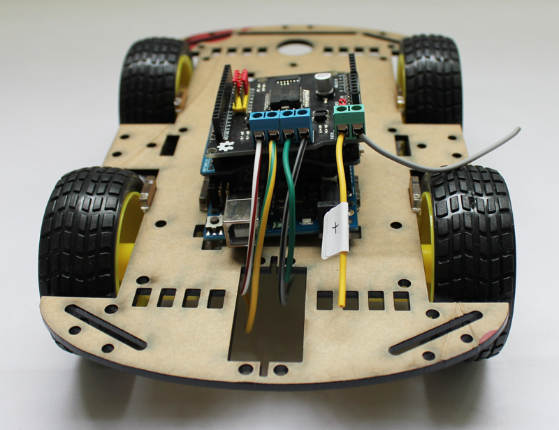 Wd robot car chassis android phone control by arduino ide